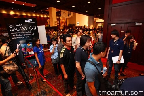 Thailand Mobile Expo คึกคักคนแห่จอง Smartphone, Tablet