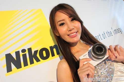 Nikon1, กล้องไร้กระจก