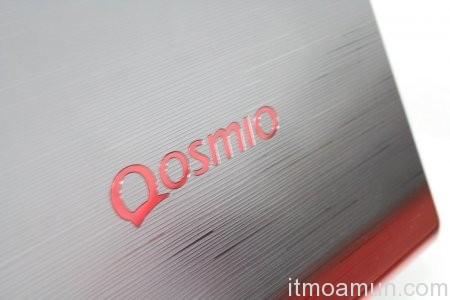 Toshiba Qosmio X77, โน้ตบุ๊ก 3 มิติ, Toshiba, Qosmio X77