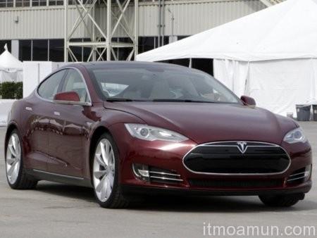 รถยนต์ไฟฟ้า, Tesla S, รถซีดานไฟฟ้า